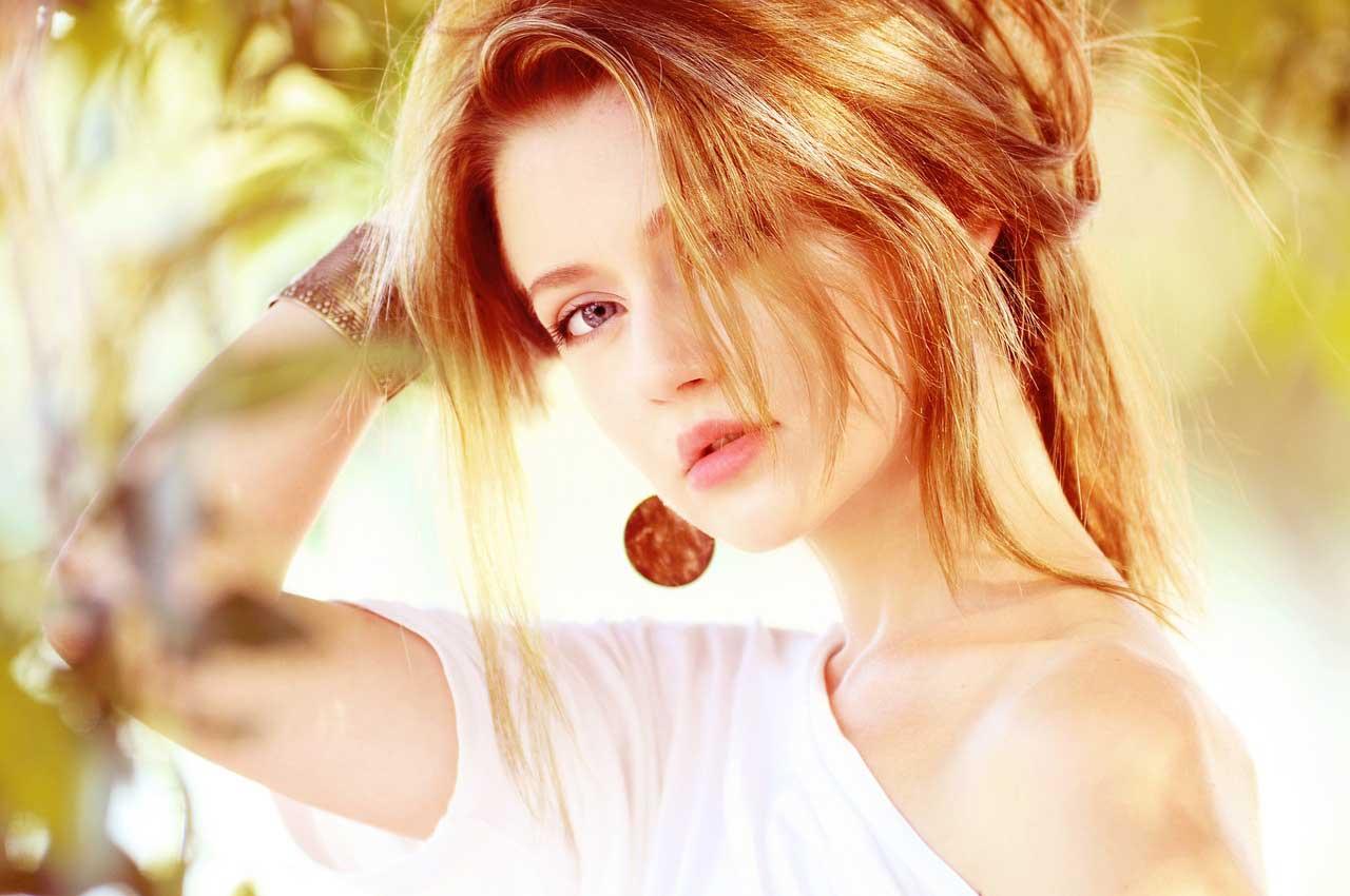 Wissen zum Flirten: Signale der Körpersprache richtig deuten